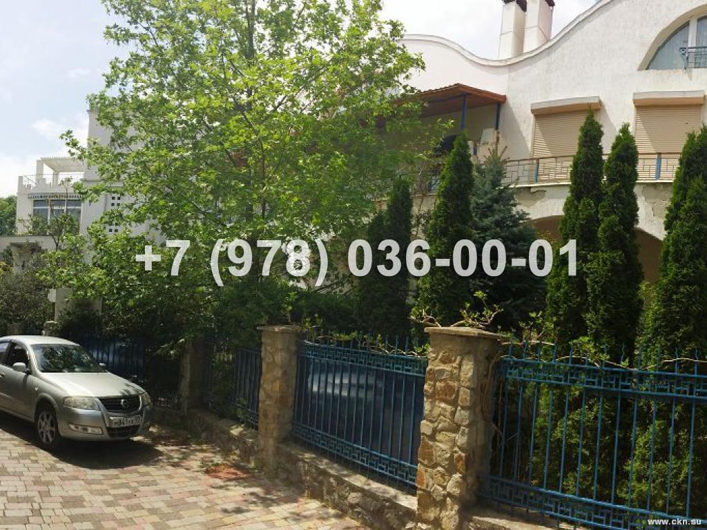 №1581 дом 220 м<sup>2</sup>, ул. Виноградная